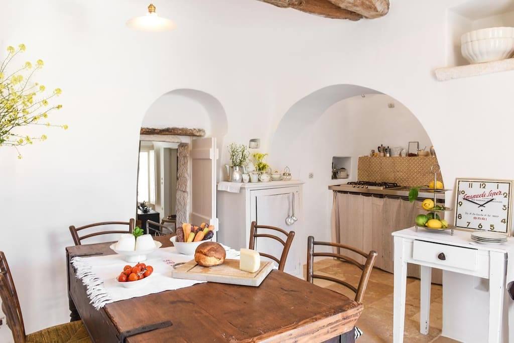 cucina-Casa-Tumbinno-Trullo-Sovrano-Yoga-12