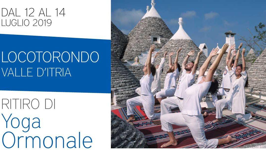 Ritiro residenziale di Yoga Ormonale in valle d'Itria, nel silenzio e nel bianco dei trulli