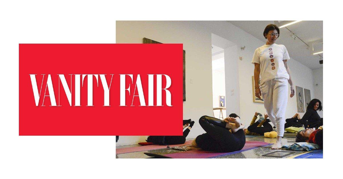 I benefici dello yoga in menopausa - Vanity Fair